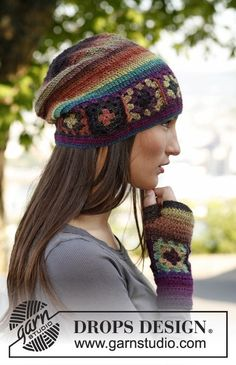 "Crochet DROPS wrist warmers with squares in ""Delight"". ~ DROPS Design"