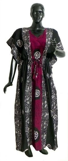 White batik Print on Dark Magenta and Black Cotton Kaftan (Cotton) Cotton Kaftan, Batik Prints, Simple Dresses, Black Cotton, Night Gown, Gorgeous Women, Magenta, Alexander Mcqueen Scarf, Kaftans