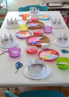 Plate Party Hats Paper plates are cut into crowns for children to collage into party hats.Paper plates are cut into crowns for children to collage into party hats. Craft Activities For Kids, Preschool Crafts, Toddler Activities, Projects For Kids, Diy For Kids, Fun Crafts, Crafts For Kids, Arts And Crafts, Toddler Art