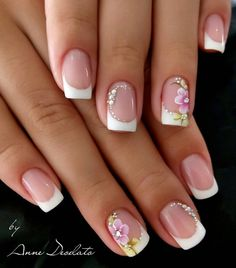 Pink and flower nails French Tip Nail Designs, Flower Nail Designs, Nail Designs Spring, Toe Nail Designs, French Manicure With Design, French Gel, French Tip Nails, Ongles Roses Clairs, Bridal Nails French