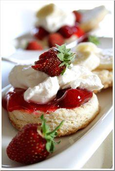 Strawberry & Banana Shortcake Biscuits