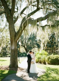 bride and groom from Sweetwater Branch Inn Wedding: http://www.trendybride.net/sweetwater-branch-inn-wedding-gainesville-fl/