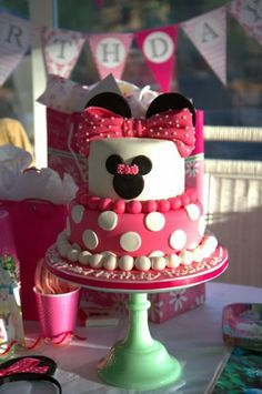 Minnie Mouse 2nd Birthday via The Ellwood Avenue Chronicles