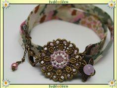 Bracelet Pastel estampe Fleur liberty pastel rose kaki et beige perles de verre et laiton bronze