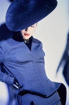 Thierry Mugler Fashion Vintage & more Luxury Details