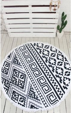 Catching Rays Circle Towel in Black Print