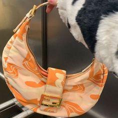 Fendi, Mode Vintage, Vintage Bags, Look Fashion, Fashion Bags, Fashion Spring, Estilo Jenner, Aesthetic Bags, Looks Style