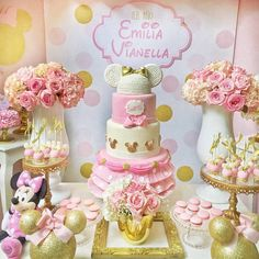Simple healthy dinner recipes for kids ideas christmas decorations 1st Birthday Cake For Girls, Minnie Mouse Birthday Cakes, Minnie Mouse Party, Mouse Parties, Princess Birthday, Bolo Minnie, Mickey Y Minnie, Simple Christmas, Christmas Crafts