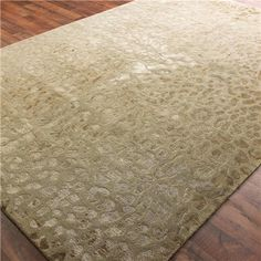 Wool and Silk Carved Leopard Pattern Rug:  2 Colors