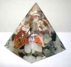 Fatto a mano ORGONITE piramide misto di DifferenThingsItaly