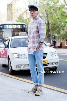cool Korean Street Fashion by http://www.newfashiontrends.pw/korean-fashion-men/korean-street-fashion-4/
