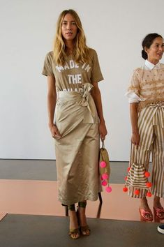 Crew at New York Fashion Week Spring 2017 - Runway Photos Spring Fashion 2017, Fashion Week, New York Fashion, Autumn Fashion, Fashion Trends, Style Fashion, J Crew Style, Summer Lookbook, Street Style