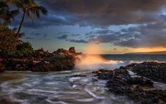 Download wallpapers Hawaii, Maui, sunset, coast, ocean, waves, palm trees, Makena Cove, Pacific Ocean