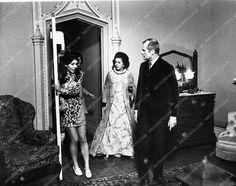 photo Joan Bennett horror film House of Dark Shadows 529-27