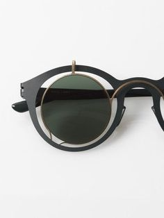 TRENDING: Round John Lennon inspired sunglasses by Mykita + Damir Doma / Bardfield / forest green Zippertravel. Damir Doma, Glasses Frames, Eye Glasses, Ray Ban Sunglasses, Sunglasses Women, Round Sunglasses, Sunnies, Lunette Style, Discount Ray Bans