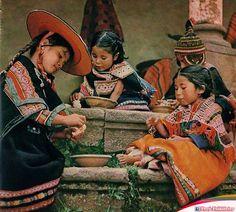Hermosa imagen de un ramillete de bellos niños del Cusco, Perú.