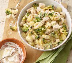 Gnocchi, Poulet, Broccoli und Ricotta – viel mehr braucht man nicht für ein ausgewogenes Gericht.