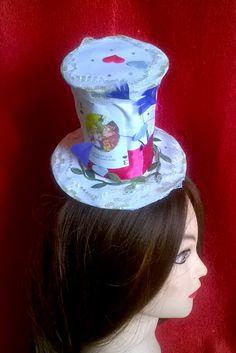 Mini hat Alice in Wonderland,Flamingos,Halloween,Christmas,Carnival,Valentine's Day, New Year,costume party,mini hats,mini cylinder. #Minihat #veil #Carnival #Halloween #Christmas #ValentineDay #NewYear #costumeparty #minihats #Alice #AliceintheWonderland #MadHatter #minicylinder #cylinder #rabbit