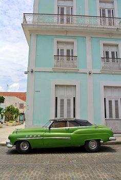✔ Old cars - Cienfuegos, Cuba Cienfuegos, Havana Cars, Havanna Cuba, Havana Club Rum, Cuban Cars, Beautiful Sites, Beautiful Places, Vintage Cuba, Old American Cars