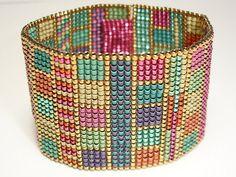 Aiko for You  Gold Squared Bracelet di SturdyGirlDesigns su Etsy, $130.00