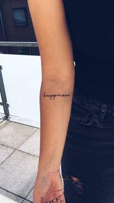 Tattoo frauen kleines wort ideas - Mini tattoos - - List of the most beautiful tattoo models Dainty Tattoos, Pretty Tattoos, Cute Tattoos, Body Art Tattoos, New Tattoos, Tatoos, Word Tattoos On Arm, Text Tattoo Arm, Delicate Tattoo Fonts