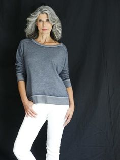 Next / Miami / Claudia Maria Short Dark Hair, Long Gray Hair, Sexy Older Women, Old Women, 50 Year Old Hairstyles, Grey Hair Styles For Women, Silver White Hair, Gray Hair Growing Out, Beautiful Old Woman