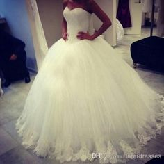 Discount 2014 Hot Selling Plus Size Wdding Dresses Sweetheart Zipper Ball Gown Long Simple White Tulle Puffy Bridal Gowns with Lace 0802 Online with $131.0/Piece | DHgate