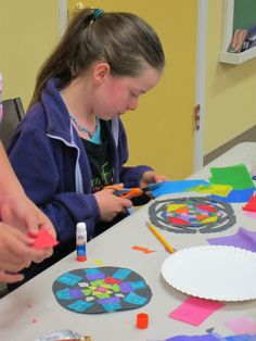 Have fun with the Polish art of Gwiazdy and make your own rose windows, just like at the Church of Our Lady Mary in Krakow. 1st Grade Activities, Hands On Activities, Preschool Activities, Reading Activities, Girl Scout Swap, Girl Scouts, Art For Kids, Crafts For Kids, Kid Art