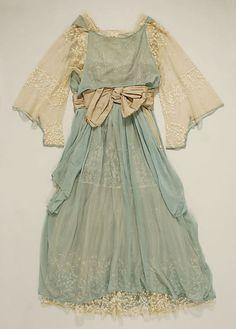 Wedding dress, 1916. Something blue!