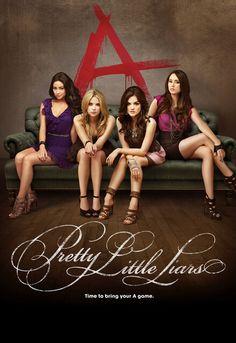 Découvrez la série Pretty Little Liars ! Un groupe d'amies reçoit des messages mystérieux et agressifs de leur amie disparue l'année précédente...