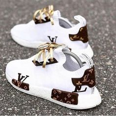 Best comfortable sneakers for girls – Just Trend. - Best comfortable sneakers for girls – Just Trend… – Source by - Moda Sneakers, Cute Sneakers, Girls Sneakers, Best Sneakers, Sneakers Fashion, Fashion Shoes, Gucci Sneakers, Sneakers Style, Adidas Fashion