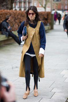 Leandra Medine on the street at London Fashion Week. Photo: Chiara Marina Grioni. February 2017 #StreetStyle
