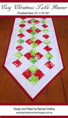 Easy Christmas Table Runner Pattern FREE pattern download! #tablerunner