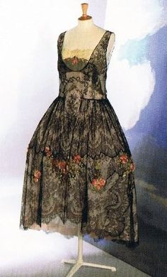 Embroidered lace dress by Boue Soeurs, French, winter 1925-26.