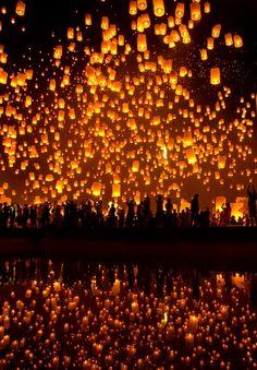 Les lanternes flottantes de Chiang Mai, Thaïlande