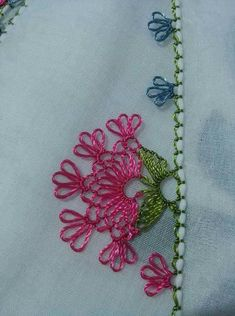 This Pin was discovered by NAL Needle Tatting, Needle Lace, Bobbin Lace, Needle And Thread, Crochet Sunflower, Crochet Flowers, Lace Patterns, Baby Knitting Patterns, Crochet Unique