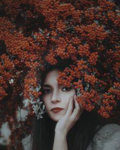 Gorgeous Conceptual and Dreamlike Portrait Photography by Handan Çelikten #art #photography #Portrait Photography