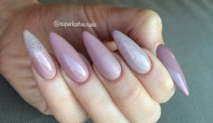 Nude nails almond