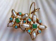 Antique Jewelry, Gold Jewelry, Jewelery, Jewelry Accessories, Vintage Jewelry, Fine Jewelry, Jewelry Design, Emerald Earrings, Gemstone Earrings