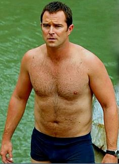 Sullivan Stapleton                                                                                                                                                                                 Plus
