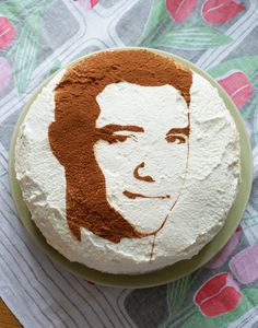 Face Cake...how to stencil the birthday boy's or girl's face on the cake! Great directions...cute results! What a cool surprise! >> Fun!