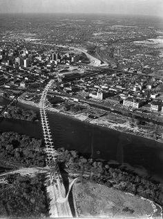 Construction of I-95 bridge over the James