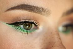 Green eyeliner to make eyes really stand out!