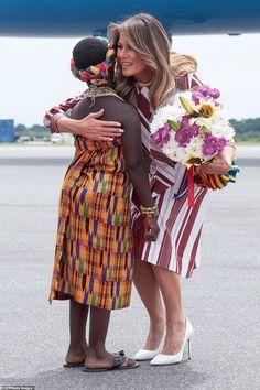 First Lady Melania Trump Arrives in Ghana… Milania Trump Style, First Lady Of America, Melania Knauss Trump, Malania Trump, Donald And Melania, Trump Is My President, First Lady Melania Trump, Trump Melania, Look Thinner