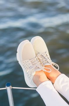 Crisp and clean. Explore the Sperry 7 SEAS, the next generation of boat shoes. (Photo cred: @shopdandy)