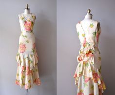 Beautiful vintage Nymphaea dress with polonaise-ish back drapery, the floral print is a 1930s characteristic~~~ seen by Miss Circle www.misscircle.com
