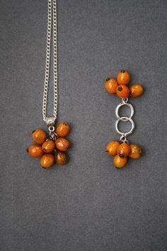 Sea-buckthorn pendant and earrings Glass. Rich от LikeAGlassShop