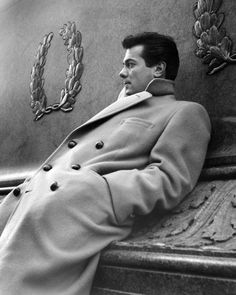 Tony Curtis. I think this picture is just beautiful.