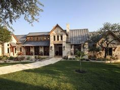 luxury modern ranch house plans, modern ranch house plans with photos, modern ranch house exterior colors, modern ranch home renovation, modern ranch house style Ranch Exterior, Rustic Exterior, Exterior Design, Exterior Colors, Hill Country Homes, Country House Plans, Ranch Style Homes Country, Texas House Plans, Country Houses
