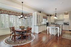 Traditional White Kitchen Cabinets #92 (Kitchen-Design-Ideas.org)